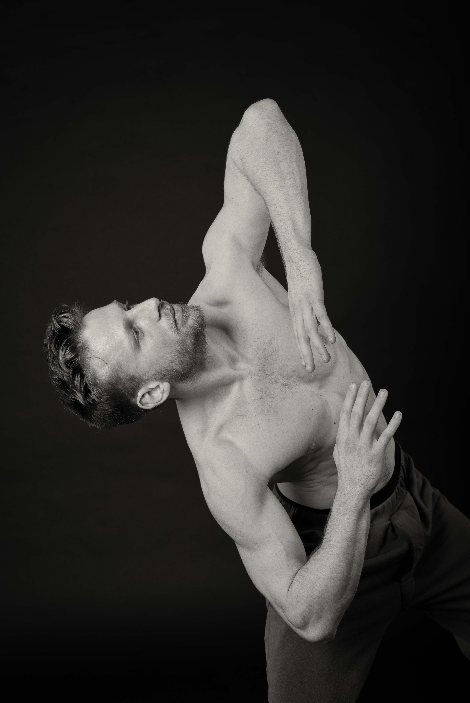 Lone Rasmussen Photography, www.lonerasmussenphotography.dk, portræt, danser, mand, sort-hvid