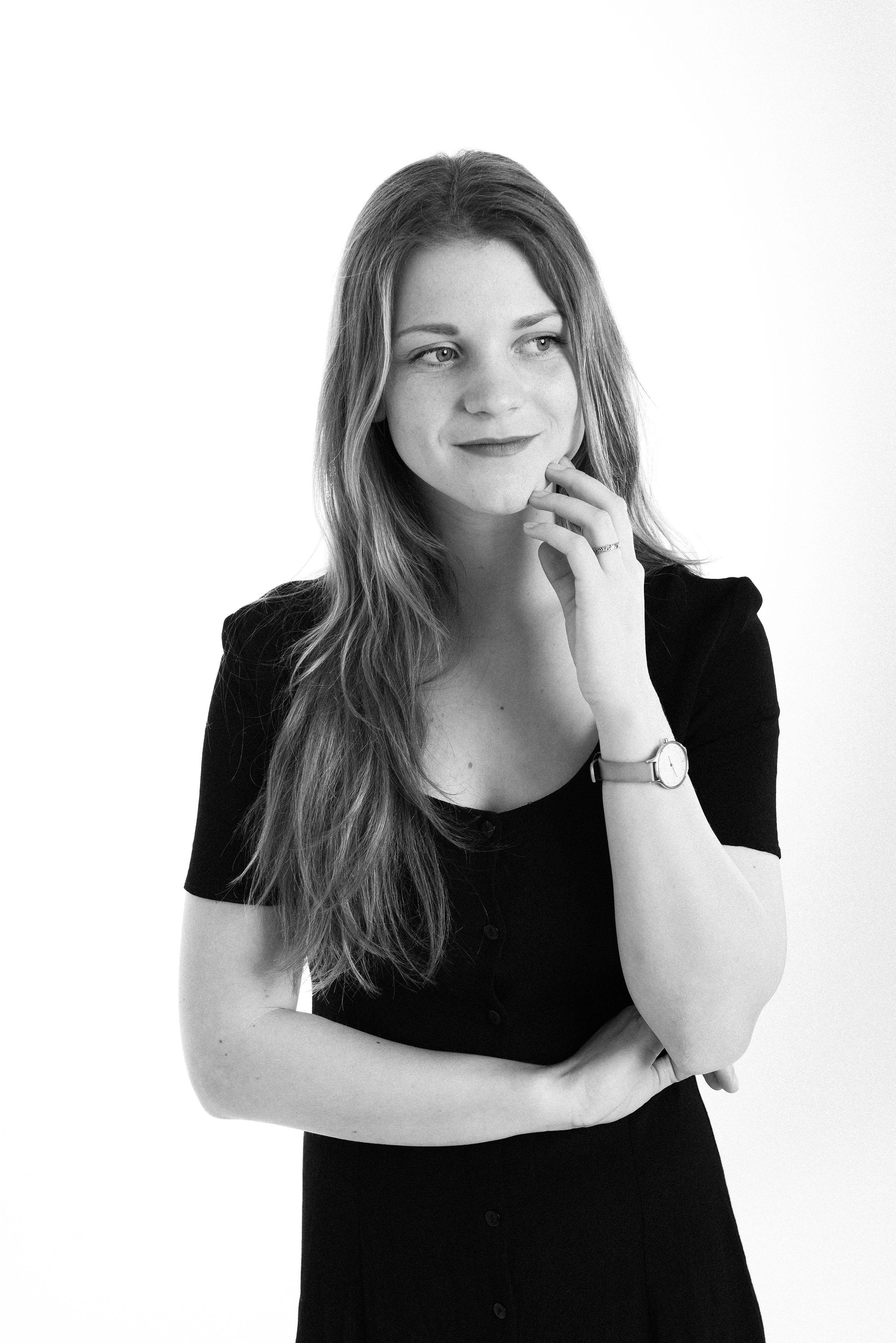 Lone Rasmussen Photography, www.lonerasmussenphotography.dk, portræt, portrætfotografi, kvinde, sort-hvid